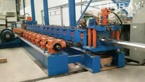 Magistralėje Guardrail ritininio formavimo mašina