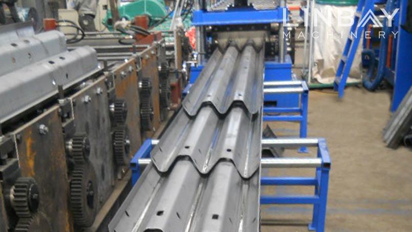 Greitkelis Guardrail valcavimo staklės Teminiai Image