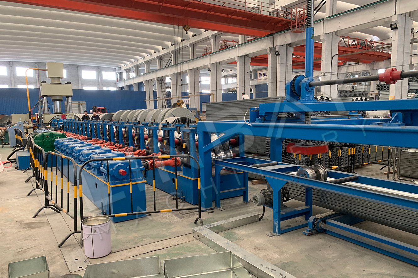 Crash barrier roll forming machine-4
