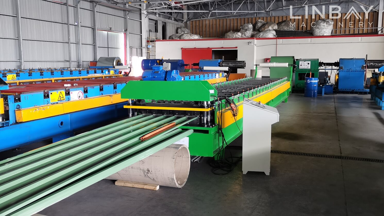 corrugated panel forming machine (3)