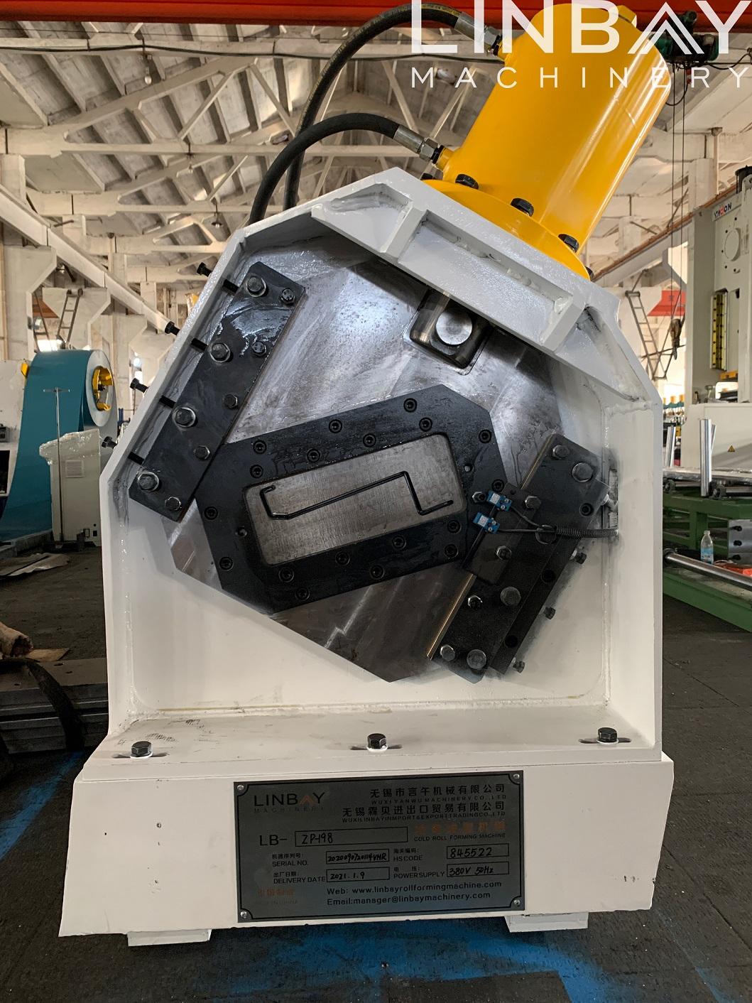 LINBAY – Exportación de la máquina perfiladora de racks industriales de perfil Z a Vietnam